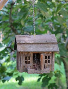 I just adore this little birdhouse!