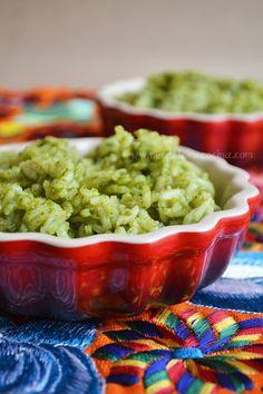 Arroz verde, muy mexicano; preparado en la salsera Le Creuset. Por Madeleine Cocina