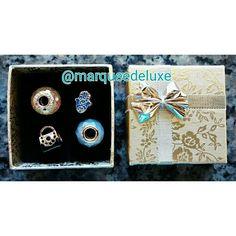 Presentear com berloques?! É MAAAAARA!!!   A berloques a partir de R$ 18,00!  Fica de olho nas nossas redes sociais!  Site: http://www.marqueedeluxe.com.br/  Insta: @marqueedeluxe  Pinterest: Marquee de Luxe  Whats: 4298023838