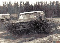 Ford Bronco mud bogging!