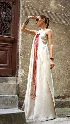Maxi Dress/Natural Linen Kaftan Dress/One Shoulder Dress/Extravagant Long Dress/Party Dress von AAKASHA - Party & Wedding Lino Natural, Estilo Hippie, Maxi Robes, Mode Vintage, Unique Dresses, Mode Inspiration, Dress First, Mode Style, Dress Up