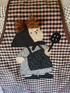 Delantales - castañera Pach Aplique, Kids Apron, Aprons Vintage, Applique Quilts, Crafts To Do, Handmade Crafts, Baby Quilts, Quilt Blocks, Gifts For Kids