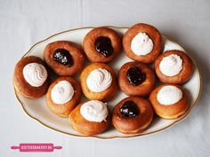 Pretzel Bites, Doughnut, Baking Recipes, Cooking Tips, Bakery, Muffin, Sweets, Bread, Sisters