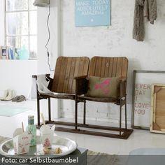 Vintage living room with old cinema seats via car möbel