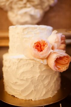 Spackle wedding cake