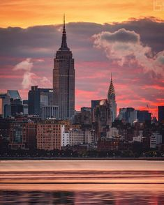 "2,673 Me gusta, 66 comentarios - New York City (@beholdingeye) en Instagram: ""Be prepared, then execute. Wait... be prepared, be adaptable, THEN execute. @flynyon @nyonair…"""