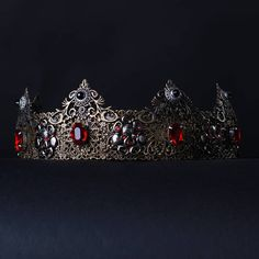 Male Empire Crown Bronze and red Gothic Crown Alternative Headdress gothic headpiece, baroque crown, Dolce mens crown Fantastic hair accessories for theather production, parties proms or other special occasions - Metal, full round - Handmade - Size: 6cm (2.3) high. - Tiara (open front the back) flexible. - **100% FULL MONEY BACK GUARANTEE** Unlike others sellers, WE STAND behind our brand ILoveCrowns and provide 100% FULL MONEY BACK guarantee, if, For Whatever Reason, You dont Absolutly…