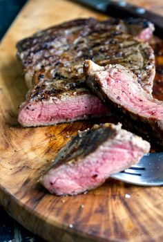 This is not just about how to cook a perfect steak - it's about my love of grass fed beef, my secret crush on Heston Blumenthal and my pursuit to find the best way to cook stuff.