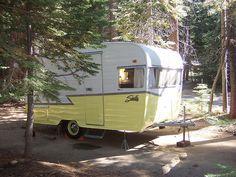 yellow always looks so good on vintage retro trailers