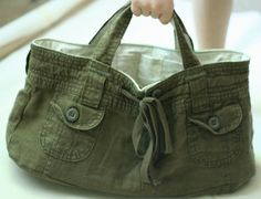 This is such a clever idea!  Turn your old Shorts or Pants into this handy Bag with plenty of s to store your things. Don't miss the upcycled Jeans Bag too.