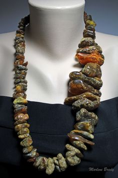 Marlene Brady: Baltic Raw Amber Necklace.  Gorgeous  but probably very heavy.  Wouldn't larger beads keep pulling toward the bottom?