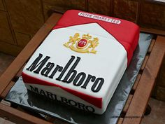 cigarette cake - Marlboro