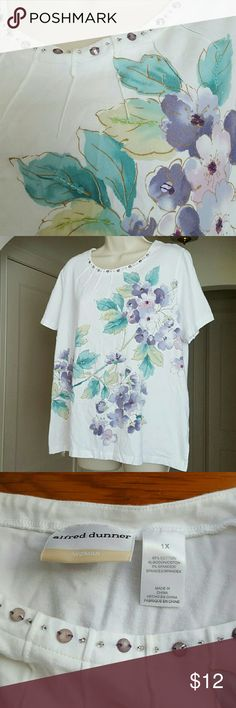 Alfred Dunner Beaded Short-Sleeved Top Top has green and purple leaves with teal flowers splashed diagonally across the front. Back is white. Lilac and purple beading on the gored neckline in front. Size 1X Alfred Dunner Tops Tees - Short Sleeve