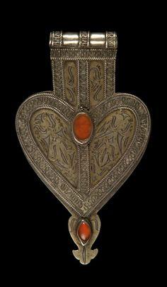 Turmo pendant amulet