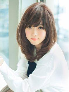 アフロート ジャパン AFLOAT JAPANおろして流す前髪とひし形シルエットのミディアムヘア http://beauty.hotpepper.jp/slnH000233454/style/L001166475.html?cstt=19