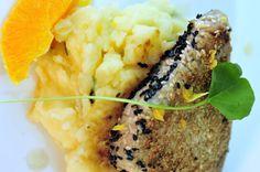 Atum Grelhado com Crosta de Gergelim Acompanhado de Purê de Batata
