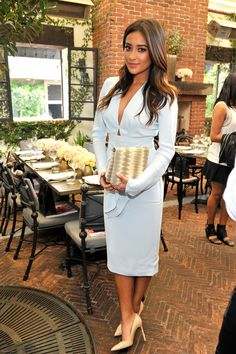 Shay looked sweet and Spring-ready in this baby-blue number at the Net-a-Porter.com and Charlotte Tilbury party. She finished off her outfit with beige accessories, letting the dress steal the show.