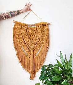 Dollie - large macrame wallhanging / tapestry made from organic and recycled materials in the color of your choosing Dollie-große Makrame Wandhänge/Wandteppiche aus organischen Etsy Macrame, Macrame Art, Macrame Projects, Modern Macrame, Macrame Wall Hanger, Macrame Design, Macrame Patterns, Primitive Christmas, Tapestry Wall Hanging