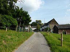 Der Ruhrhöhenweg führt zum Haus Schede