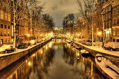 The Leidsegracht on a snowy night, Amsterdam, North Holland, the Netherlands, 2010, photograph by Arlette Reloaded.