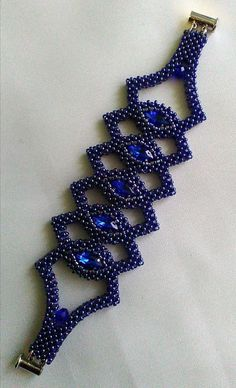 seed bead necklace patterns for beginners Seed Bead Bracelets Tutorials, Beaded Bracelets Tutorial, Beading Tutorials, Beaded Necklace Patterns, Seed Bead Patterns, Beading Patterns, Seed Bead Necklace, Bead Jewellery, Fabric Jewelry