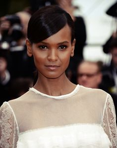 Liya Kebede likes to go simple with her beauty look in 'Jeune & Jolie' Premiere at Cannes 2013 Liya Kebede, Natalia Vodianova, Lily Aldridge, Claudia Schiffer, Heidi Klum, Cindy Crawford, Bold And The Beautiful, Beautiful People, Gorgeous Women