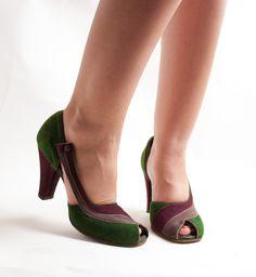 Vintage 1940s Shoes  40s Peep Toe Shoes  by concettascloset, $118.00