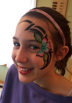 Moana themed face paint #hawaii #Moana #facepaint #wichita #ict Disney Face Painting, Body Painting, Hawaii Makeup, Tropical Makeup, Facepaint Ideas, Moana Bebe, Henna Paint, Hawaii Flowers, Face Painting Designs