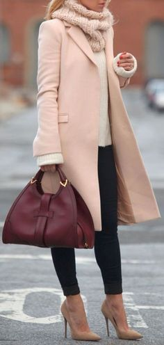 Pink Cashmere Trench Coat // Love this! #winterfashion #streetstyle