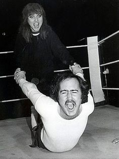 When Debbie Harry wrestled Andy Kaufman, 1983. Andy Inspired Man On the Moon by REM http://youtu.be/uAsV5-Hv-7U