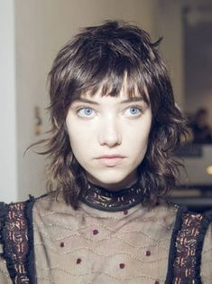 French Girl Fringe That Will Have You Ready To Cut Your Hair Punk Hair cut French fringe girl hair Ready Mullet Haircut, Mullet Hairstyle, Haircut Styles, Punk Haircut, Retro Haircut, Medium Hair Styles, Curly Hair Styles, Pelo Retro, Short Shag Hairstyles