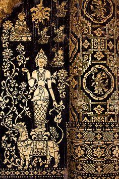 Murs d'un temple à Vientiane, Laos Love Painting, Artist Painting, Laos Culture, Temple Thailand, Southeast Asian Arts, American Ninja Warrior, Vientiane, Thai Art, Luang Prabang