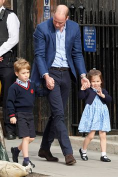 See Prince George, Princess Charlotte and the New Royal Baby's Debut Photos Side-by-Side