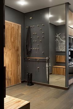 Home Decorating Ideas Modern Cool concept for entry way? Home Decorating Ideas Modern Source : Cool concept for entry way? Flur Design, Hall Design, Design Design, Design Room, Room Interior, Interior And Exterior, Interior Design, Small Rooms, Small Spaces