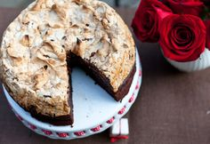 Chocolate and Hazelnut Meringue Cake Happy Birthday to Me! at Cooking Melangery Gluten Free Desserts, Just Desserts, Delicious Desserts, Yummy Food, Hazelnut Meringue, Meringue Cake, Sweet Recipes, Cake Recipes, Dessert Recipes