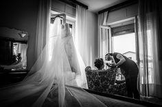 Wedding Black, Photo Black, Portrait Photo, Bridal Portraits, Wedding Photography, Bride, Black And White, Home Decor, Wedding Bride