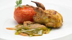Receta de Codornices con fritada y tomates asados