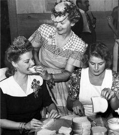 Ann Sheridan, Hedda Hopper, and Ingrid Bergman...making sandwiches:)