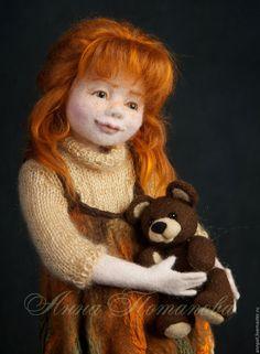 Авторская войлочная кукла Алиса - Анна Потапова - Ярмарка Мастеров http://www.livemaster.ru/item/12640945-kukly-igrushki-avtorskaya-vojlochnaya-kukla