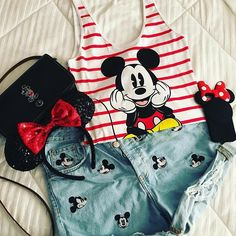 Love your style . Have fun at Disneyland [pic: @fairytaledenim ] #disneylook #stylishdisney #disneyfashion . . #disneystyleblog #disneystyle #disney #disneyaddict #disneyfashion #disneyfan #disneyside #disneyland #disneylove #coachdisney #zaradisney