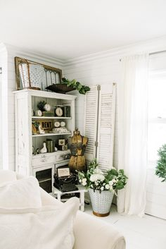 Entryway Stairs Small Console Tables 20 Ideas For 2019 Farmhouse Style, Farmhouse Decor, Country Style, Cottage Farmhouse, Antique Farmhouse, Industrial Farmhouse, Farmhouse Ideas, Cottage Style, Rustic Decor