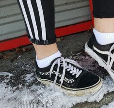 a505cd3feabba1 ok so im wearing my vans and its snowing smh Boyish Outfits