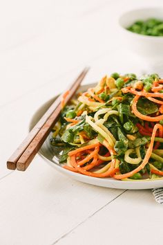 Easy Seasame Zucchini Noodles - The Perfect Summer Brown Bag Lunch