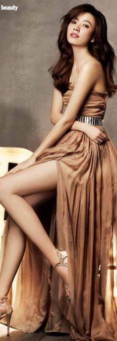"""❤""""Han Hyo Joo""""❤💋🌿🌷🍀🌺💙❤🇰🇷 ^^^ She is from Cheongju Pretty Asian, Beautiful Asian Women, Beautiful Legs, Korean Beauty, Asian Beauty, Bh Entertainment, Dong Yi, Asian Hotties, Korean Actresses"""