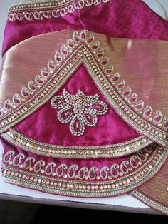 #Blouses Chudi Neck Designs, Best Blouse Designs, Wedding Saree Blouse Designs, Simple Blouse Designs, Blouse Back Neck Designs, Choli Designs, Hand Designs, Sleeve Designs, Blouse Neck Patterns