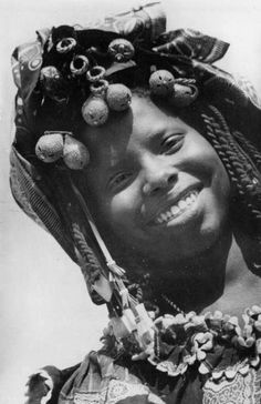 Africa | Oualof woman. Western Senegal | Scanned old postcard; publisher Ed. Gaud