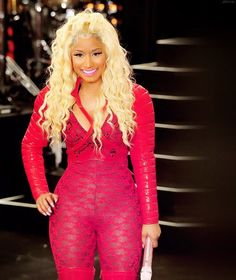I really like her with blonde hair Nicki Minaj Fashion, Nicki Minaj Barbie, Beautiful Black Women, Beautiful People, Maiden Braid, Young Money, American Rappers, Her Music, Rihanna