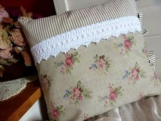 . Ruffle Pillow, Textiles, Fabric Scraps, Textile Art, Comforters, Bed Pillows, Pillow Cases, Shabby Chic, Quilts