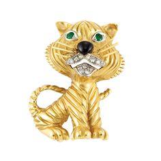 Gold, Emerald, Diamond and Black Enamel Cat Clip-Brooch, Van Cleef & Arpels