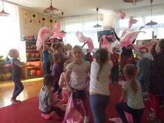 uchwycić rytm i rozładować energię ;) Music And Movement, Montessori, Preschool, Doll, Youtube, Musica, Games, Kid Garden, Puppet